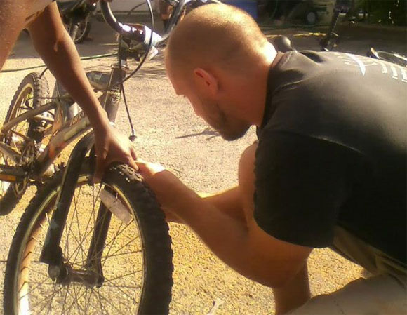 joe-fixing-wheel